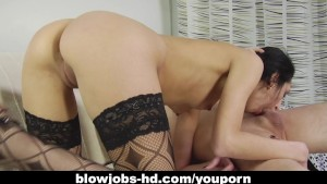 Captivating brunette gobbles up a hard dong