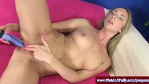 Puffy peach blondes solo toy a