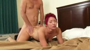 Amateur girlfriend gets fucked
