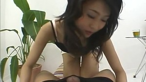 Hot milf seems eager to play n