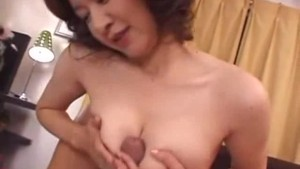 39 years old Japanese mom love big cock