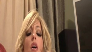 Wet Pussy Squirt For MILF Babe