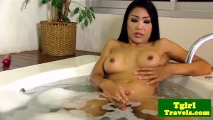 Asian shemale Melissa wanks in
