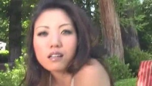 Outdoor Asian pussy pounding