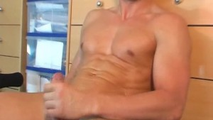 Gym trainer (hetero) gets wanked his cock by a gym club client for money!