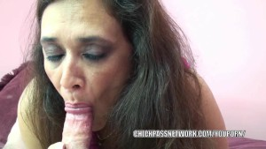 Curvy MILF Alesia Pleasure licks balls and sucks dick