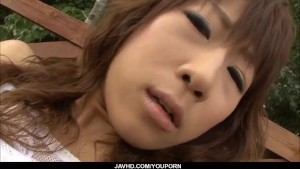 Asuka Ishihara loves cracking her pussy in outdoor