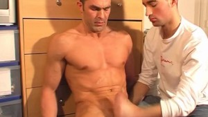 Handsome str8 Gym trainer serviced his big cock by a guy !