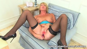 British milf Amy fulfills her honey pot s cravings