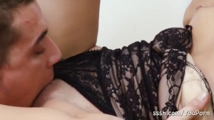 Red hot brunette has feet worshipped before getting her pussy licked