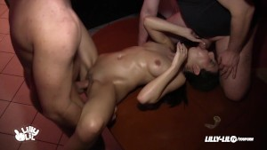 GERMAN TEEN THREESOME DOUBLE FUCKED REAL