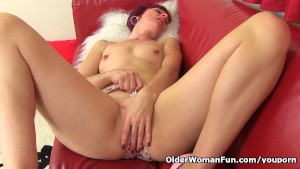 British milf Penny can t contr