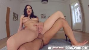 Allinternal hottie licks a dic