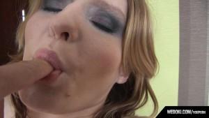 Cyntia Fingering With Cameraman And Blowjob