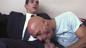 The straight vendor gets sucked his big cock by a client for money.