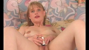 Blonde masturbates and loves to give head - Julia Reaves