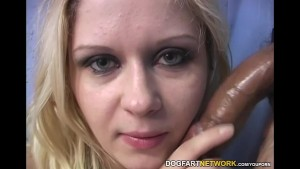 Blonde slut Aralyn Barra loves gloryhole fucking