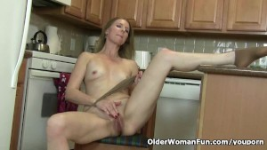 American milf Lacy needs to ge
