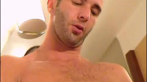 My hotel room service guy made a porn: watch his cock gets sucked by a guy!