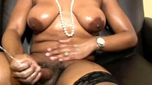 full figured black ts exposes black boobs and huge shecock only at pornmike.com