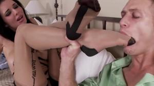 FootsieBabes Veronica Avluv has Dirty Little Toes