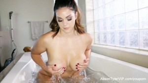 Alison Tyler takes a bath