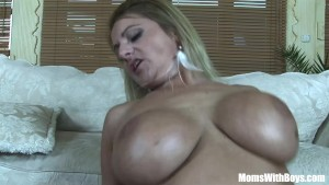 Mouth Fucked Blonde MILF Linds