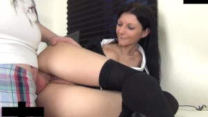naughty-hotties.net - skinny chick delivery guy quickie.mp4