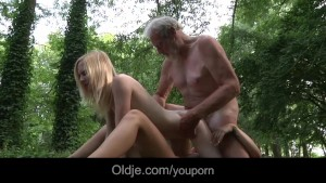 18 year old girls gone wild with old woodcutter huge cock