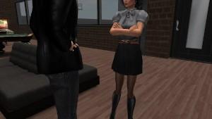 Fred adjani qui discute avec Aude dans sa jolie mini jupe noir collant noir