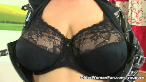 British milf Eva Jayne wears a