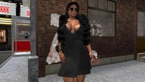 Une très jolie brune virtuelle en mini robe