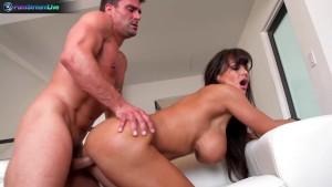 Lisa Ann likes having sex after naughty photoshoot