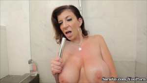 Sara Jay Showers her Big Tits