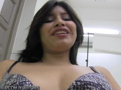 PutaLocra Cute amateur in bed with Torbe
