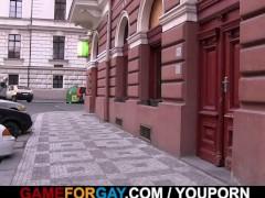 He seduces taxi driver into gaysex