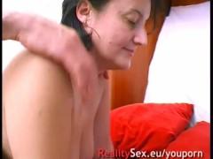 Mature sans experience veut satisfaire ses besoins sexuels !! French amateur