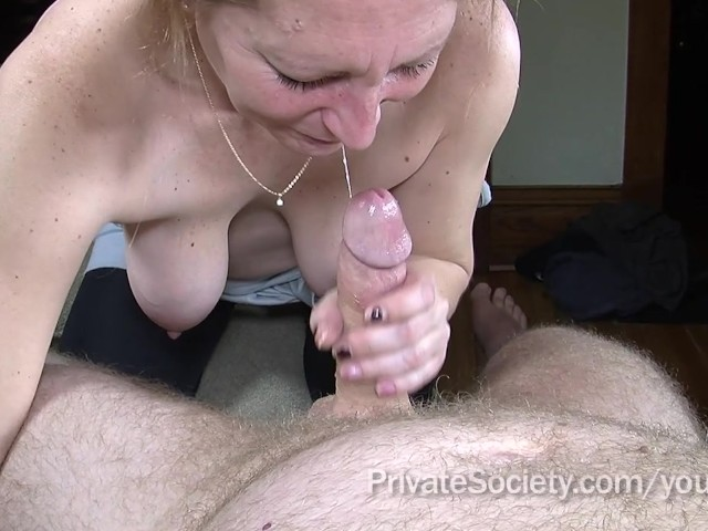 wife sucking strange cock