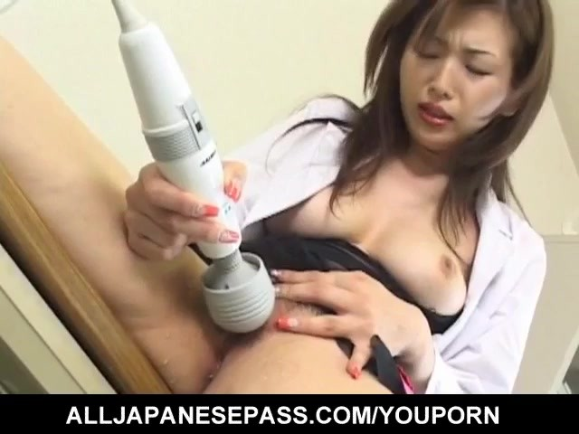 mai-hanano-pleasures-her-crack-with-sex-toys-till-gets-orgasms