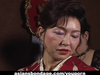 Japanese milf gets