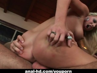 Blonde bombshell gets her pussy drilled