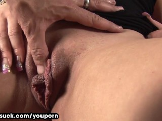 slow-seductive-blowjob-from-pierced-chick