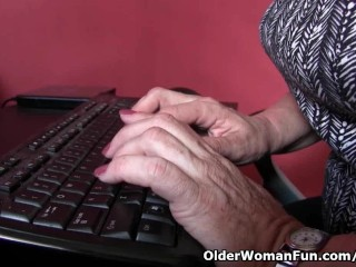 Office grannies in pantyhose need to...