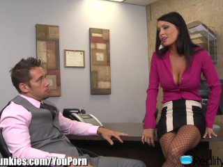 realityjunkies-jessica-jaymes-fucks-well-hung-employee