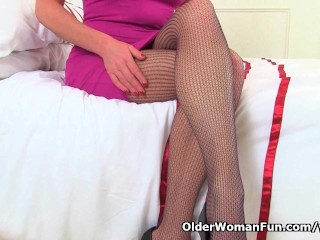 Holly rips her tights to shreds