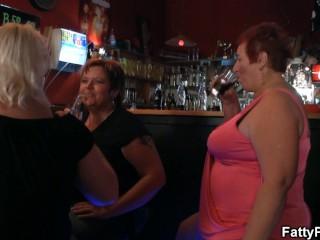 Bbw have fun in the bar...
