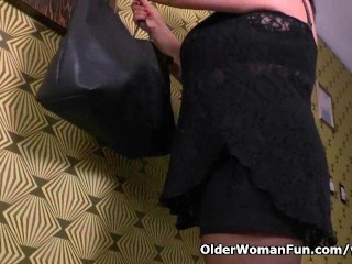 BBW milf Carmen hides vibrating egg in pantyhose...