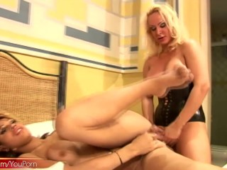 Blonde T-girl splashes a cum load on four shemale bigtits