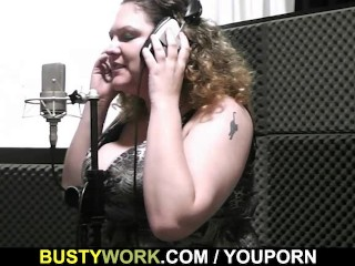 Busty plumper spreads for tech guy...