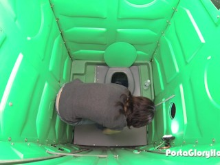 Porta gloryhole milf hones her bj skills